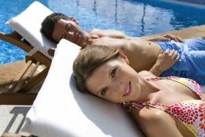 Mit gutem Gefühl sanft bräunen: Bei intensiver Sonnenstrahlung braucht die Haut auch oxidativen Schutz Foto: djd/tetesept/corbis