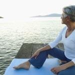Frische Luft und Bewegung heben die Stimmung und tun auch dem Körper gut. Foto: djd/Gynokadin/M. Gracia