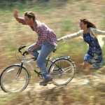 Unbeschwert die Freiheit genießen: Das  bleibt Heuschnupfenpatienten oft verwehrt. Foto: djd/Aerinaze/Image Source