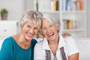 In den Wechseljahren steigt bei Frauen das Risiko von Harnwegsinfekten. Aber es gibt Abhilfe. Foto: djd/Cystorenal-Forschung/contrastwerkstatt-Fotolia