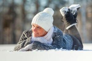 """Warme Schuhe sind im Winter bei längeren Aufenthalten im Freien ein Muss - ansonsten droht die Gefahr, sich die Blase zu """"erkälten"""". Foto: djd/Cystorenal-Forschung/Nikita Vishneveckiy - Fotolia.com"""