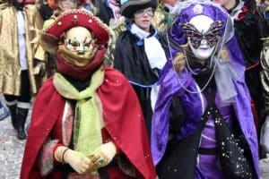 Eine phantasievolle Kostümierung gehört zum Karneval dazu.