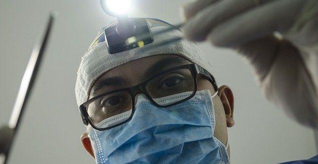 Die Angst vor dem Zahnarzt kann sich schnell zu einer Phobie entwickeln.
