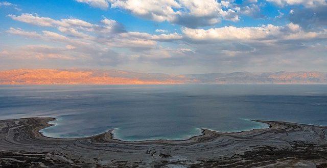 Dermatologen befürworten bei Neurodermitis eine Therapie am Toten Meer.